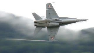Sion Breitling Airshow: Boeing F/A-18 Hornet, Solo Demonstration&Landing