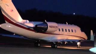 12/14/12 Bombardier Challenger 600 Series Jet Heads Out