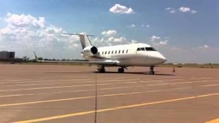 Bombardier Challenger 605 Taxi